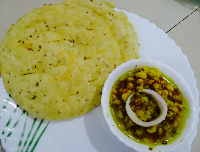 Dal Pakwan Recipe | How to Cook Dal Pakwan | Indian Breakfast