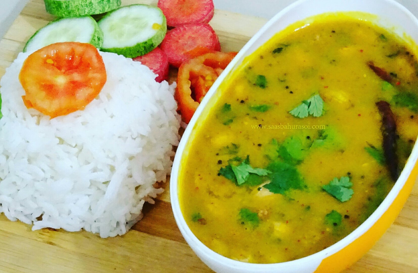 Gujarati style khatti meethi dal recipe indian food gujarati gujarati style khatti meethi dal recipe indian food gujarati recipes forumfinder Images